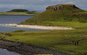 Kurzer Weg zum Coral Beach auf Skye