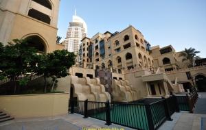 Dubai Stadtbesichtigung, am Burj Khalifa 828 m Vereinigte Arabische Emirate 22.10.11
