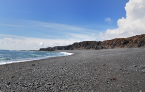 Djupalsoussandur, schwarzer Strand