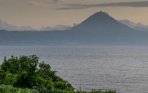 der Pico auf Pico von Terreiros aus auf Sao Jorge