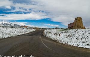 Schnee in der Wüste vor Monument Valley